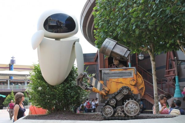 Wall-e & Eve in Discoveryland