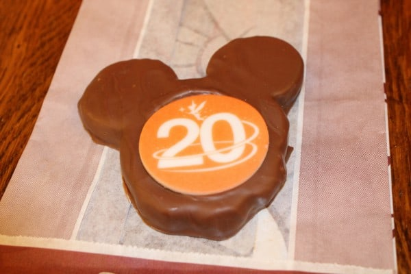 20th Anniversary Cookie and it was delicious!