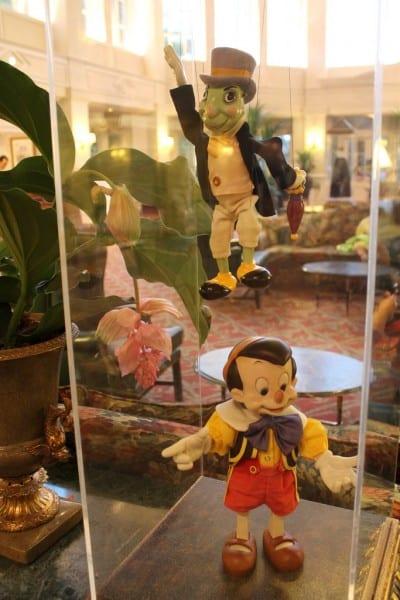 Disneyland Paris Hotel - Pinocchio and Jiminy Cricket