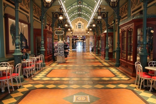 Covered Walk Ways in Disneyland Paris