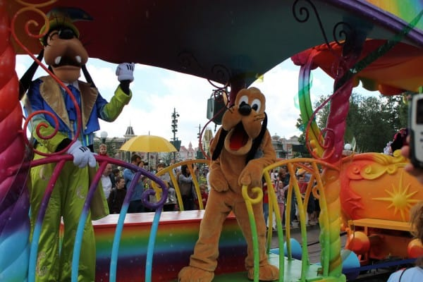 Goofy and Pluto onboard the 20th Anniversary Celebration Train
