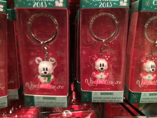 Mickey & Minnie Snowmen Vinylmation Keychains